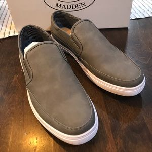 Steve Madden slip on sneaker in gray nwt